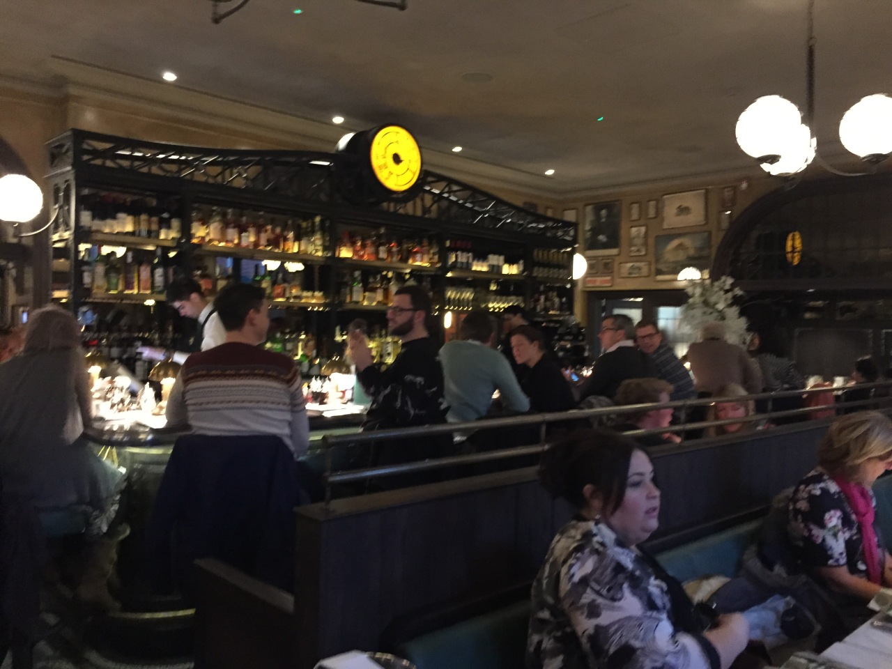 The Main Bar - The Ivy Market Grill